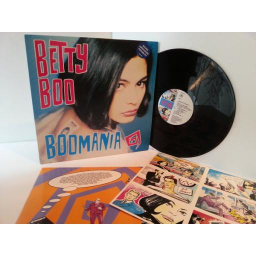 Betsy Boo BOOMANIA. Includes limited edition postcard set