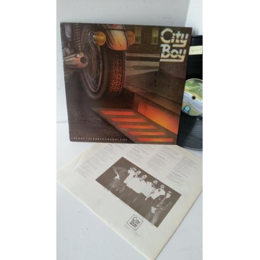 CITY BOY the day the earth caught caught fire, 9102 036