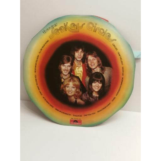 THE NEW SEEKERS 2442102 DELUXE die-cut iris sleeve