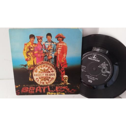 "THE BEATLES sgt pepper's lonely hearts club band / with a little help from my friends, 7"" single, R 6022"