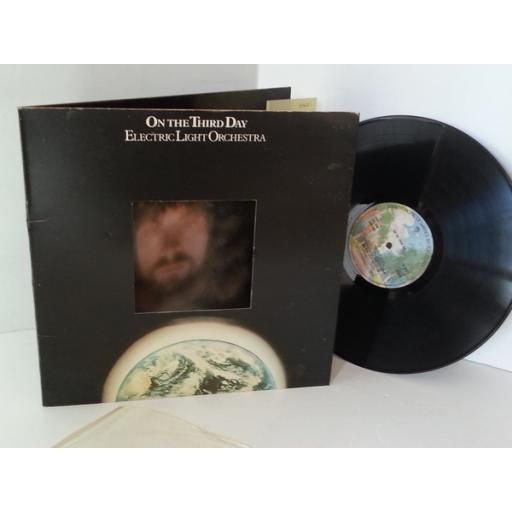 ELECTRIC LIGHT ORCHESTRA on the third day Die cut gimmick tri fold sleeve, K 56021