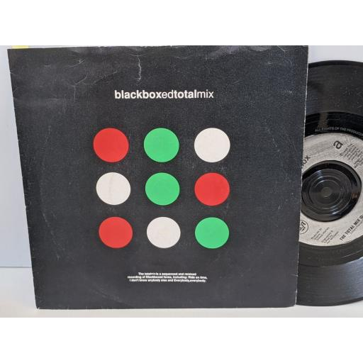 """BLACK BOX The total mix, 7"""" vinyl SINGLE. PB44235"""